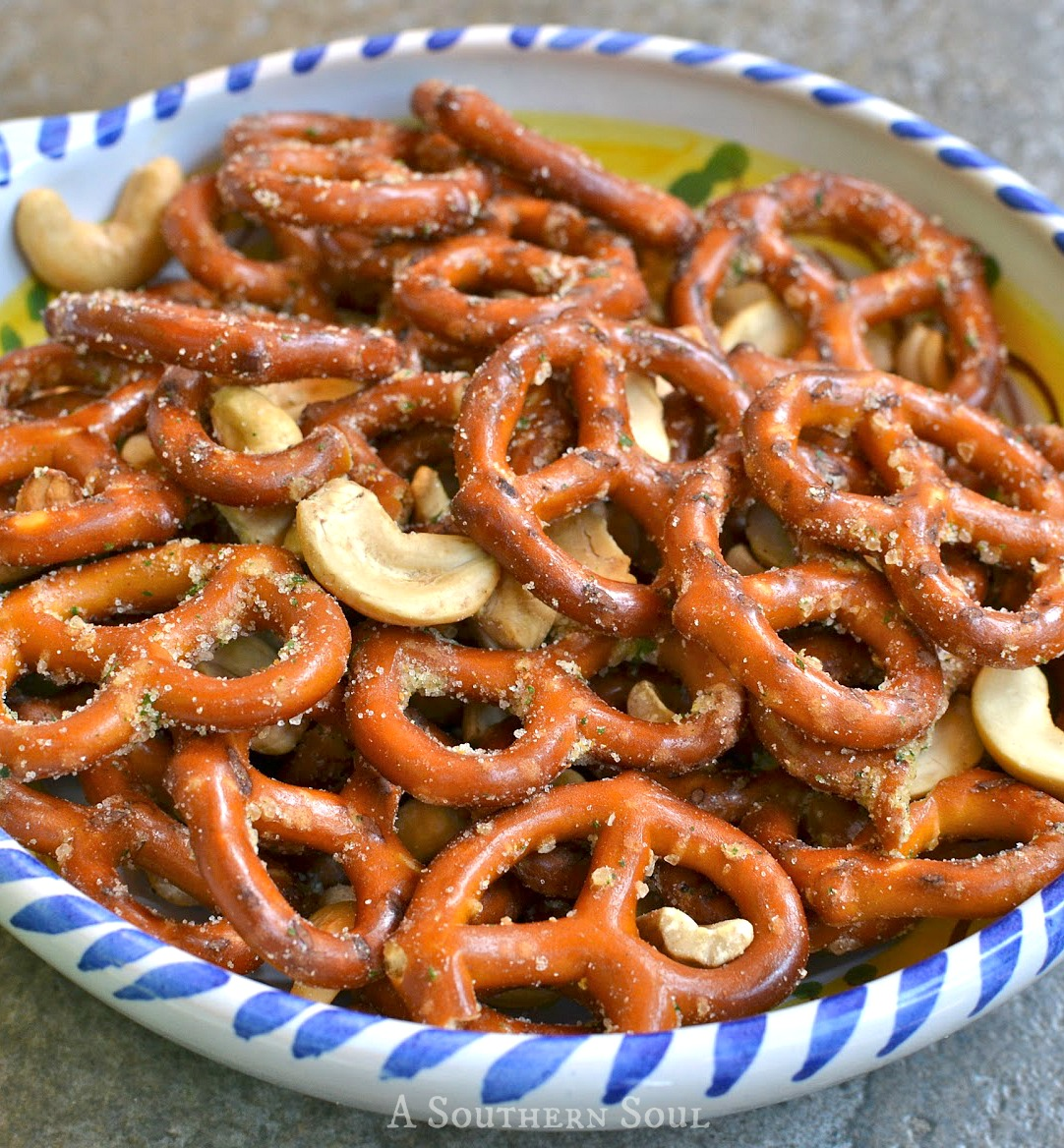 pretzels & cashews