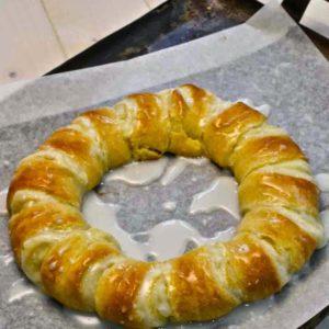 crescent cream cheese breakfast roll