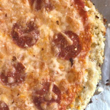cauliflower crust pizza close