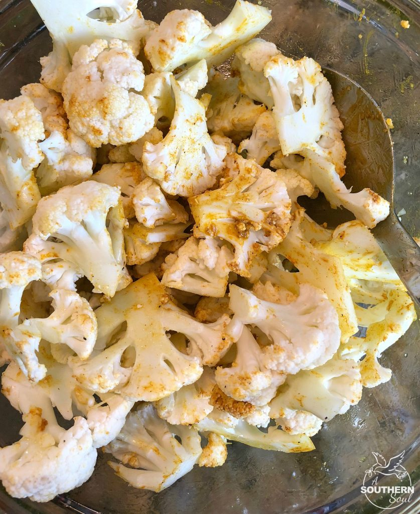 turmeric roasted cauliflower with olive oil and garlic