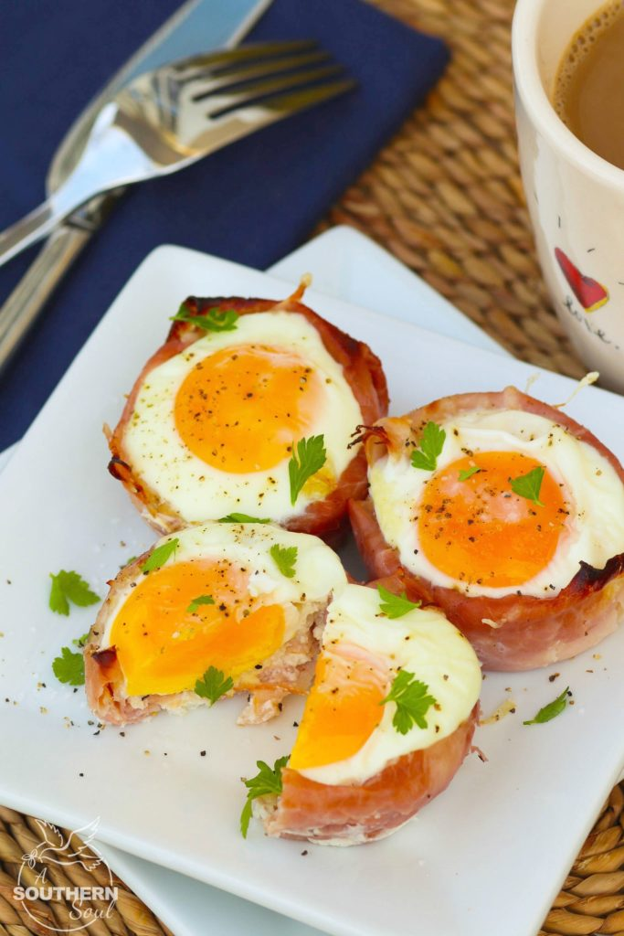 Ham and Cheese Egg Cups made in a muffin tin are a low carb breakfast that downright delicious. They are super easy to make with three ingredients are are ready to enjoy in less than 20 minutes.