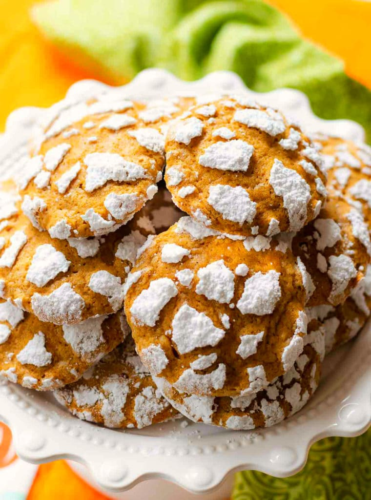 Pumpkin Crinkle Cookies have all the flavors of fall that everyone loves!