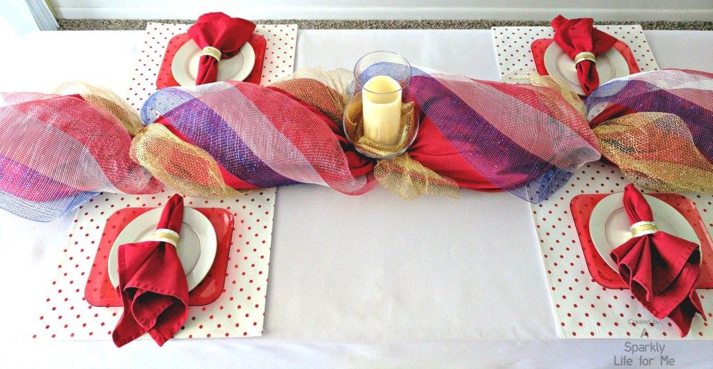 Deco mesh table runner DIY in red white blue and gold with candle centerpiece