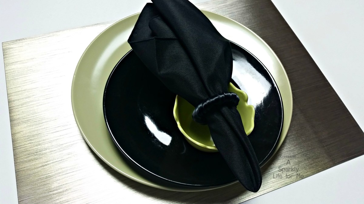 Metallic Modern Green, Black, and White Table Setting by A Sparkly Life for Me