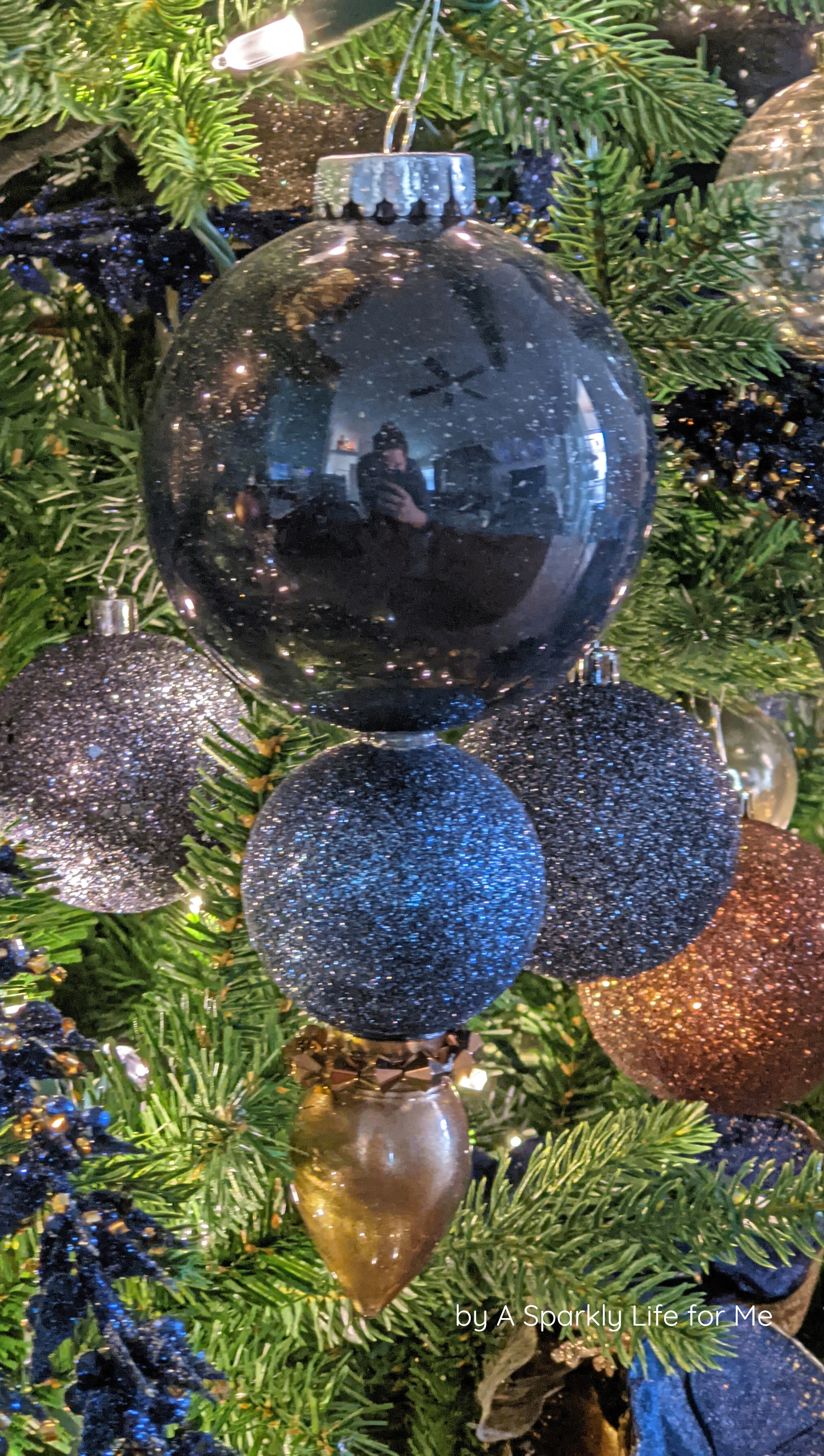 DIY Shatterproof Finial Ornament in Navy Blue and Bronze