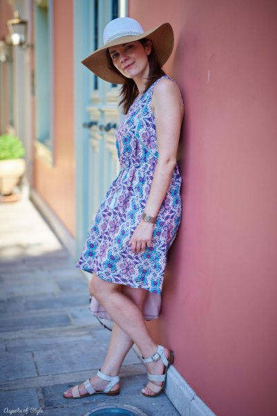 Floppy hat and sun dress in Nafplio