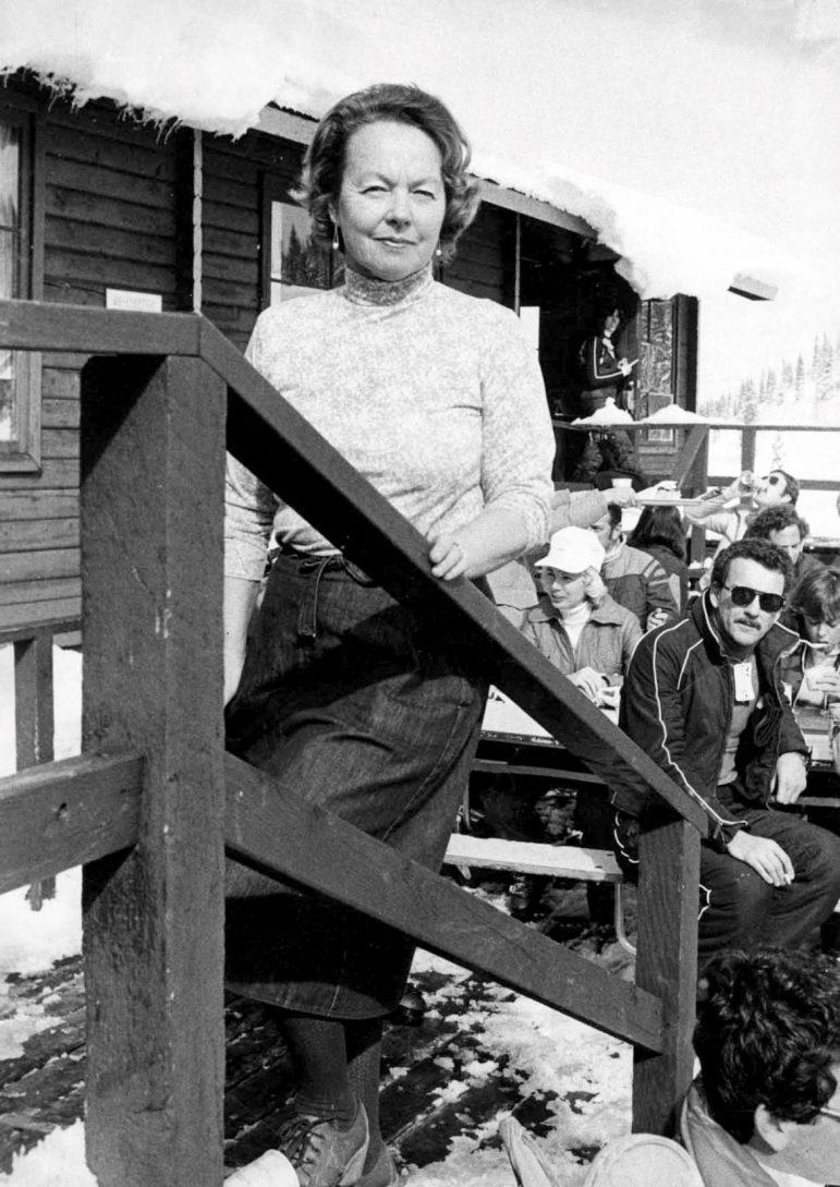 Gretl Uhl, in December 1980, on the deck at her restaurant.