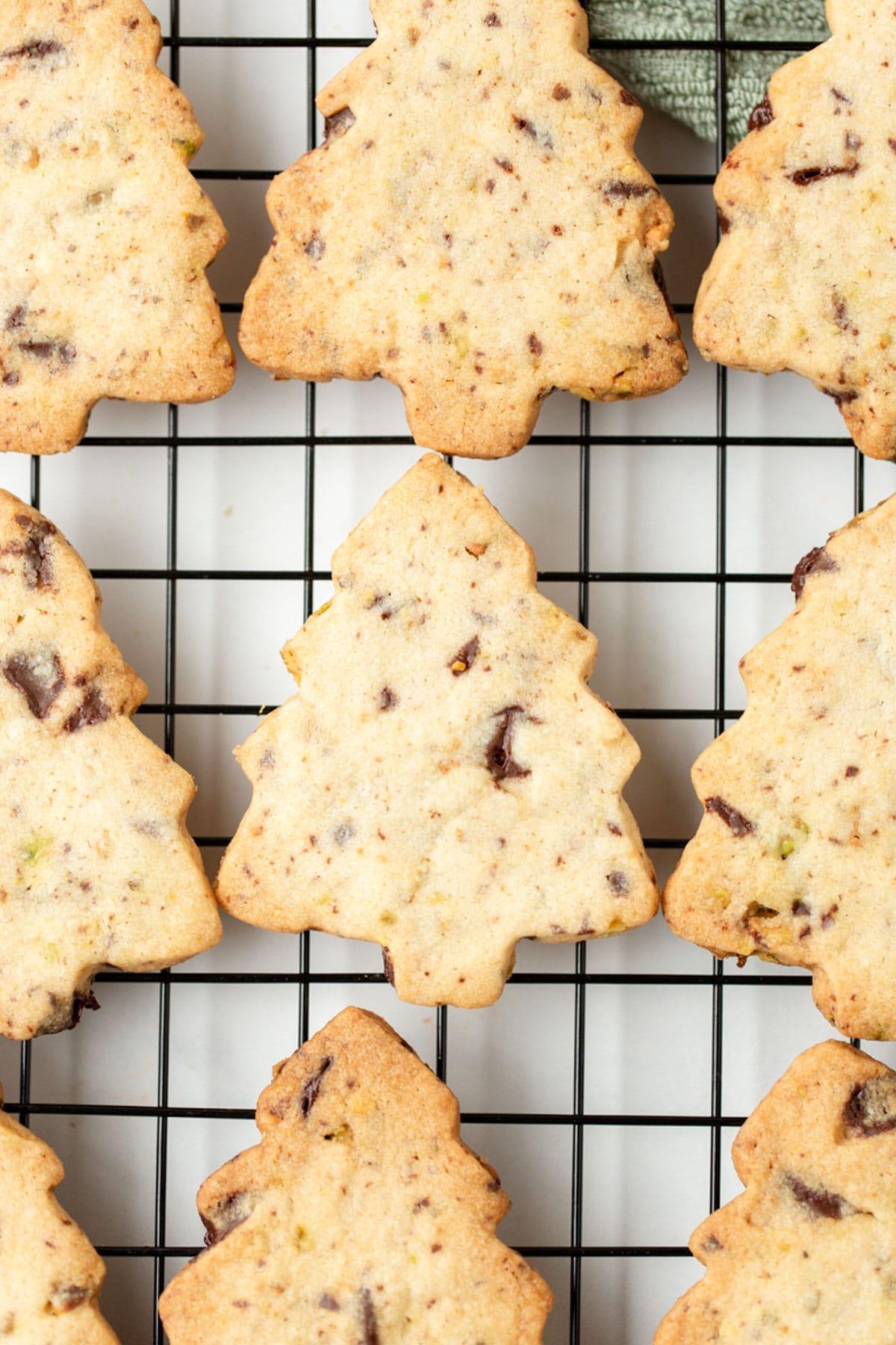 Pistachio Chocolate Shortbread Cookie Recipe