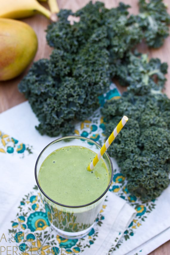 Simple Green Smoothie Recipe that Tastes Good!