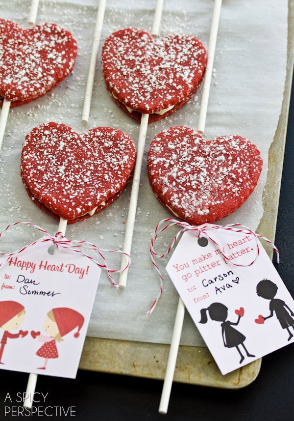 Fabulous Red Velvet Cookie Pops for #ValentinesDay + Free Printable Tags!