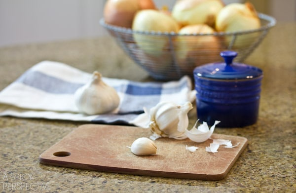 How to Easily Mince Garlic #DIY #howto #garlic