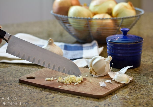 How to Quickly Mince Garlic #DIY #howto #garlic
