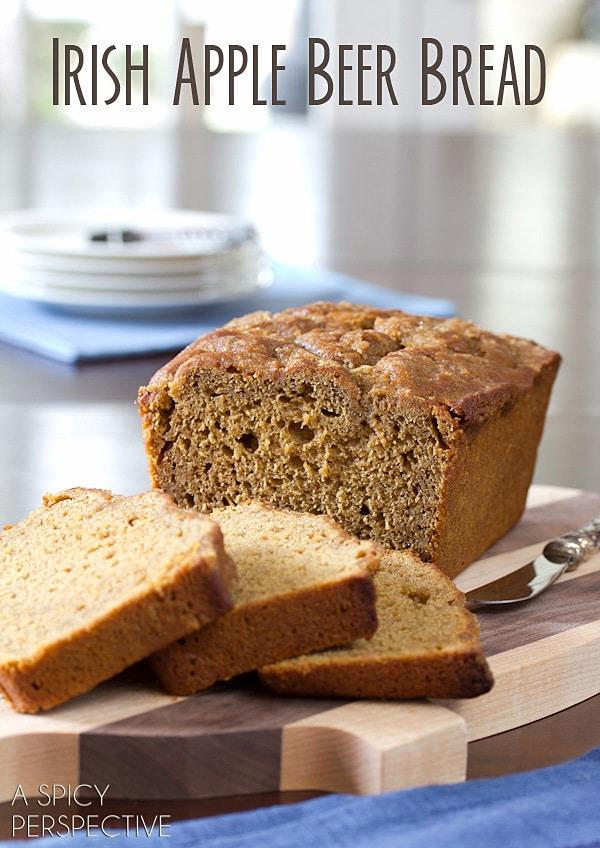 Soft Irish Apple Beer Bread for Saint Patrick's Day! #beerbread #bread