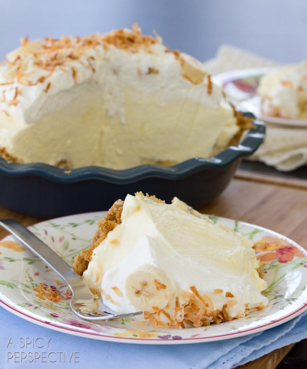 Banana Pie #ASpicyPerspective #BananaCreamPie #BananaCreamPieRecipe #CreamPie #Easter #Dessert #Bananas #WhippedCream #BananaPie