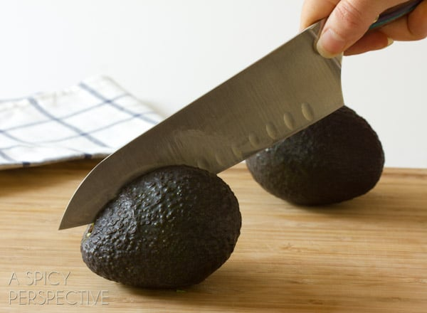 How to Cut Avocados - Step 1 #howto #avocado #cookingtips