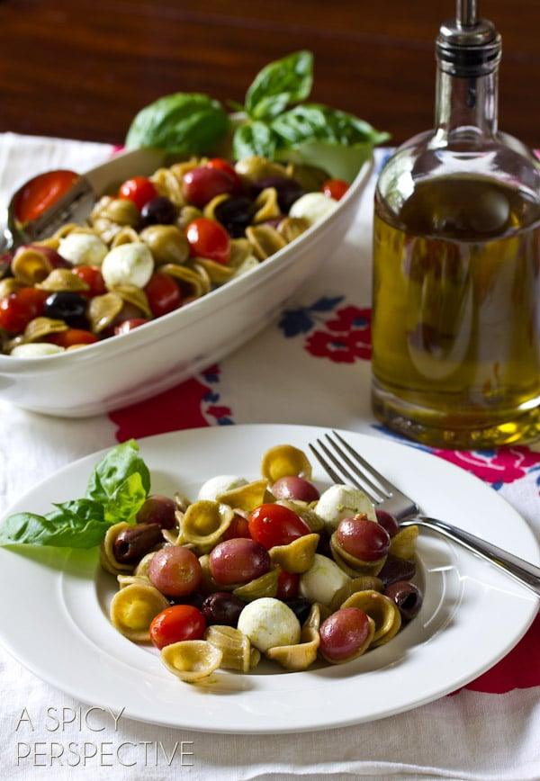 Orecchiette Pasta with Roasted Grapes and Tomatoes | ASpicyPerspective.com #pastasalad #roastedtomatoes #picnic #delallo