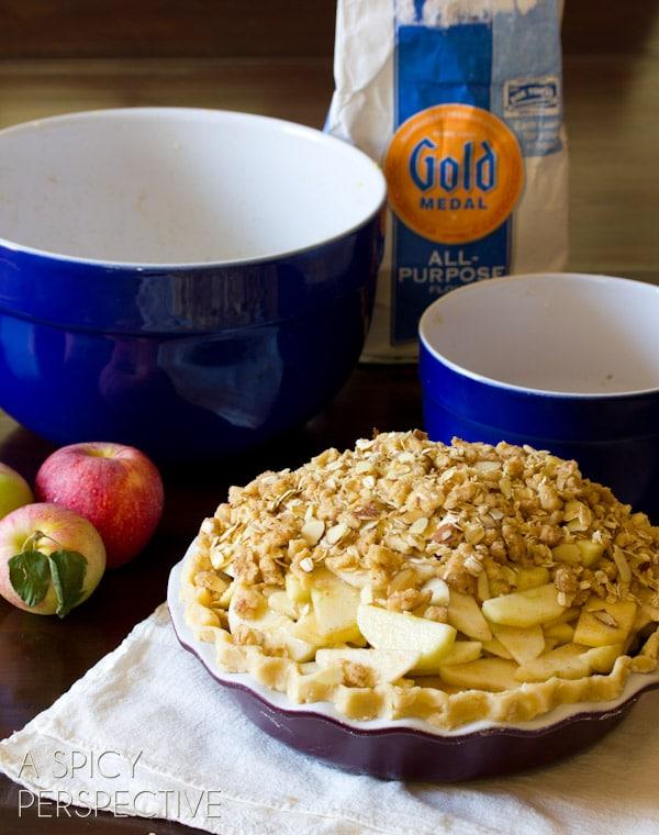 How to Make Dutch Apple Pie | ASpicyPerspective.com #apple #applepie #fall #recipe