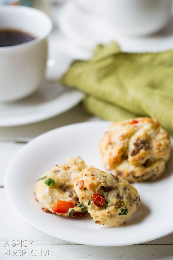 Awesome Savory Breakfast Scone Recipe with #sausage #cheese and #redpeppers! #scones