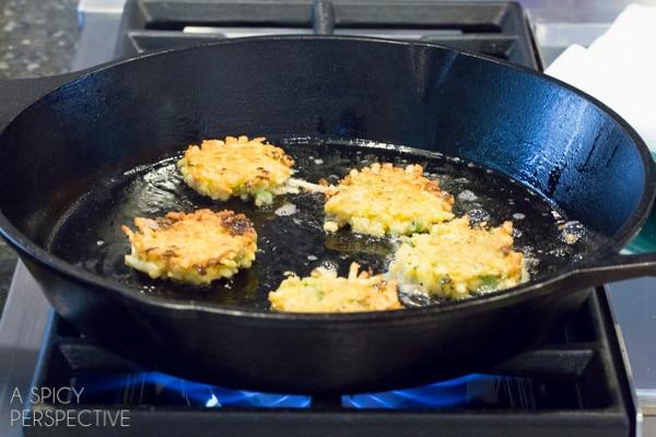 How To: Crispy Potato Latkes with Jalapeño Dill Sauce #spring #potato #easter #appetizer