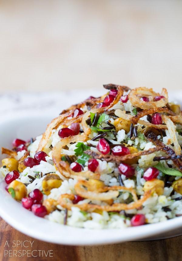 Vibrant Mediterranean Wild Rice Recipe with Pomegranate and Chickpeas #vegetarian #vegan