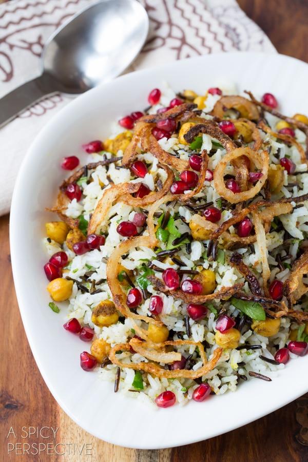 Amazing Mediterranean Wild Rice Recipe with Pomegranate and Chickpeas #vegetarian #vegan