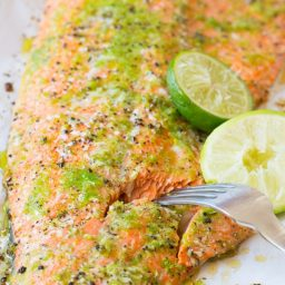 Dinner Tonight: Spicy Garlic Lime Oven Baked Salmon #salmon #dinner #recipe