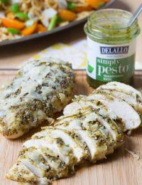 Amazing 3 Ingredient Pesto Chicken #dinner #chicken #pesto #delallofoods