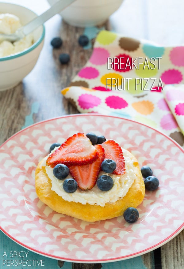 Simple Fruit Pizza for #Breakfast! #pizza #fruitpizza #cookingwithkids