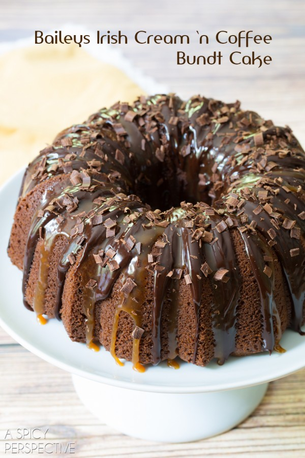 I *heart* Baileys Irish Cream Bundt Cake #cake #bundtcake #baileysirishcream