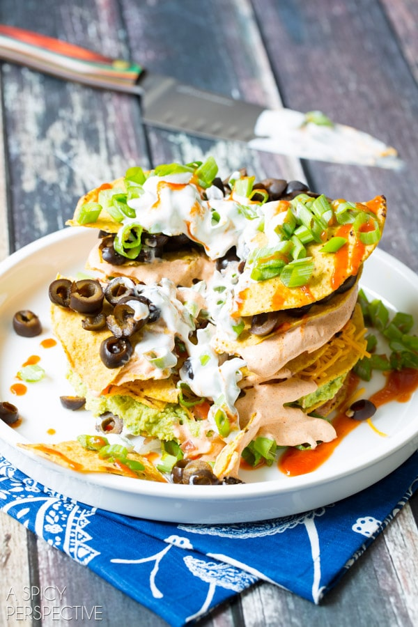 Simple 7 Layer Dip Tostada Stack #7LayerDip #Mexican #party