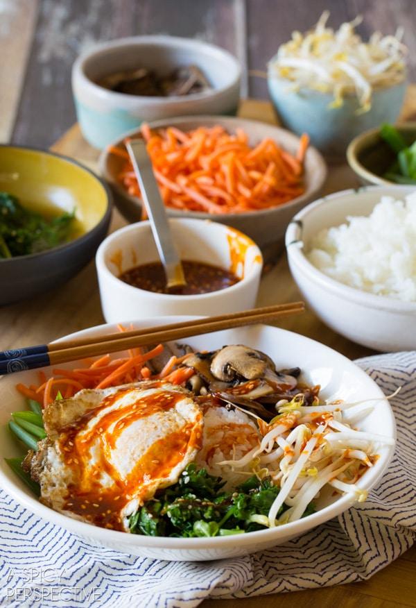 Amazing Korean Bibimbap - Rice and Veggie Bowl with a Fried Egg and Gochujang Sauce #vegetarian #healthy #Korean