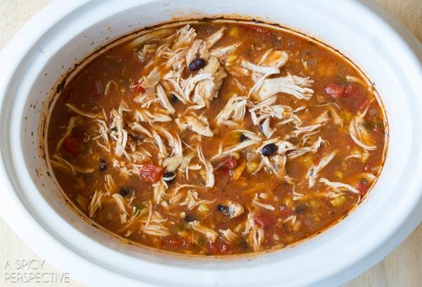 Easy Slow Cooker Chicken Enchilada Soup #slowcooker #crockpot #healthy
