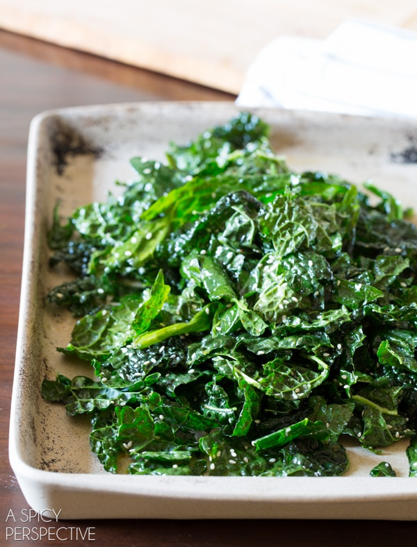 Simple Crispy Kale and Quinoa Salad #healthy #glutenfree #vegan #quinoa #kale