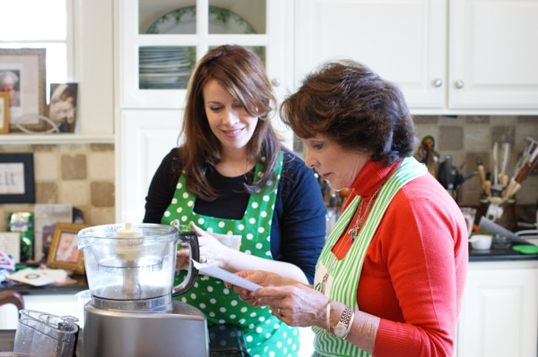 Cooking with Sister Schubert #SisterSchubertsHoliday