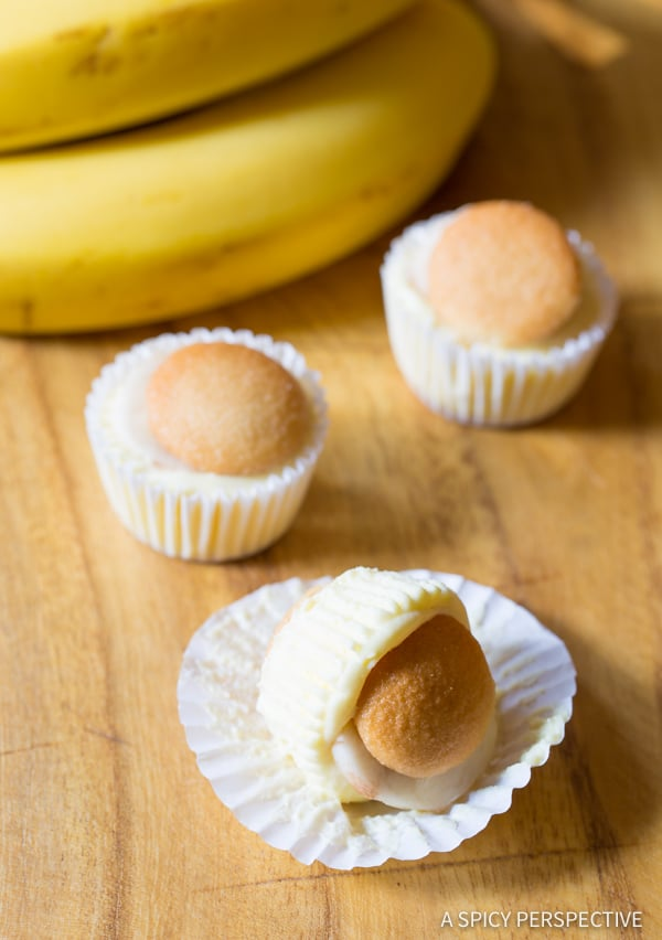 Loving this Mini Banana Cream Pie Recipe (Banana Pudding Tarts) on ASpicyPerspective.com