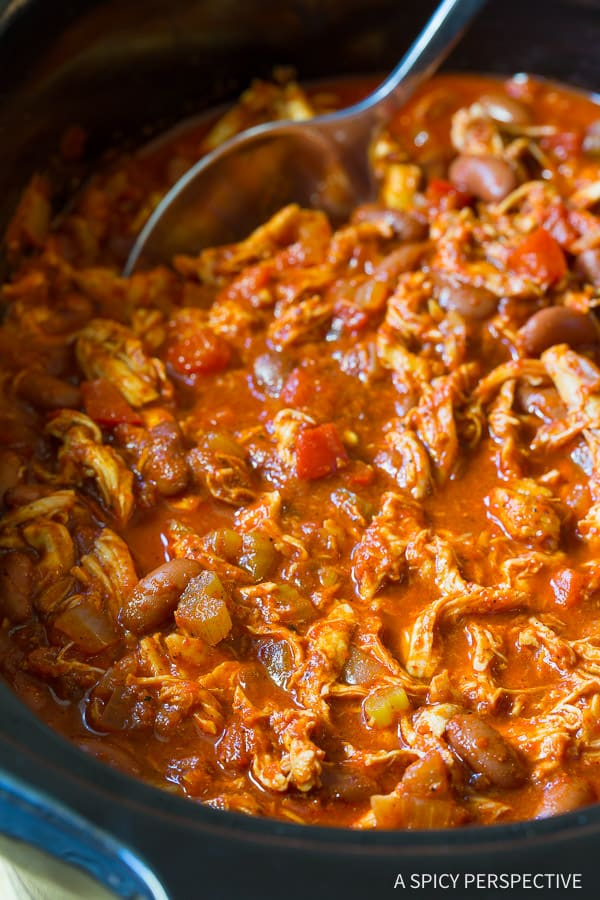 Healthy Slow Cooker Roasted Red Pepper Chicken Chili Recipe   ASpicyPerpective.com