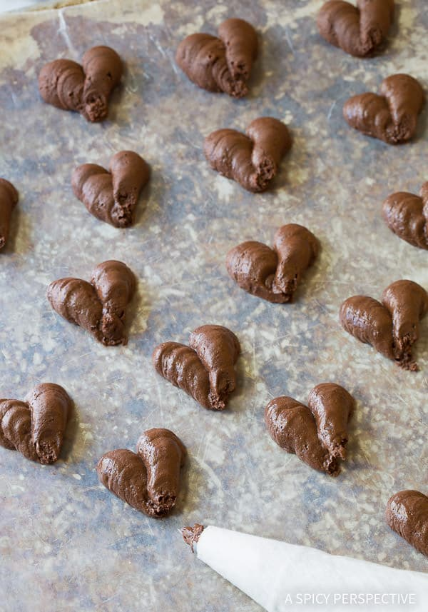 Simple 3-Ingredient Chocolate Truffle Recipe | ASpicyPerspective.com - Fabulous for Valentine's Day!