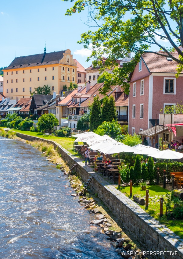 Cesky Krumlov Boating - Amazing Day Trips from Prague | ASpicyPerspective.com #travel #europe