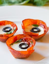 Best Low Carb Pepperoni Pizza Cups Recipe #paleo #superbowl
