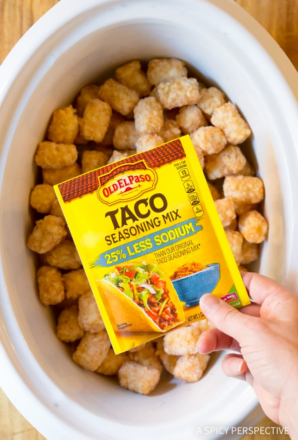 Making Taco Tater Tots (Two Ways!) An easy party recipe you can lighten-up! #glutenfree #lowfat