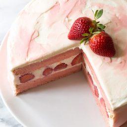 Fresh Strawberry Lemonade Cake Recipe