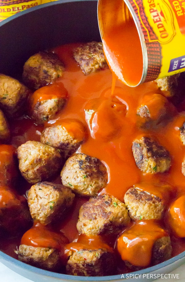 Love this Cheesy Enchilada Meatball Sub Recipe #sandwich #mexican