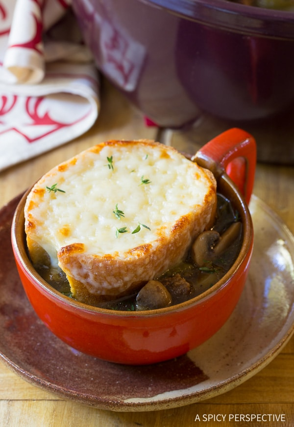 Best Philly Cheese Steak Soup Recipe - All the appeal of a Philadelphia Cheesesteak Sandwich in a comforting bowl of soup. All the goodness, less calories!