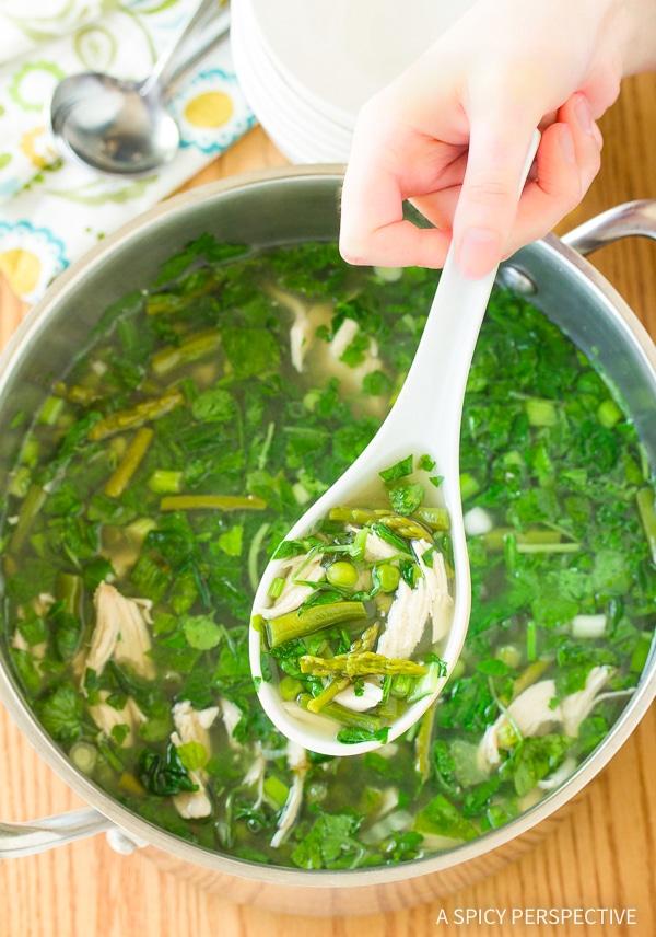 Detoxifying Lean Green Chicken Soup Recipe #GlutenFree #DairyFree #LowCarb & #Paleo