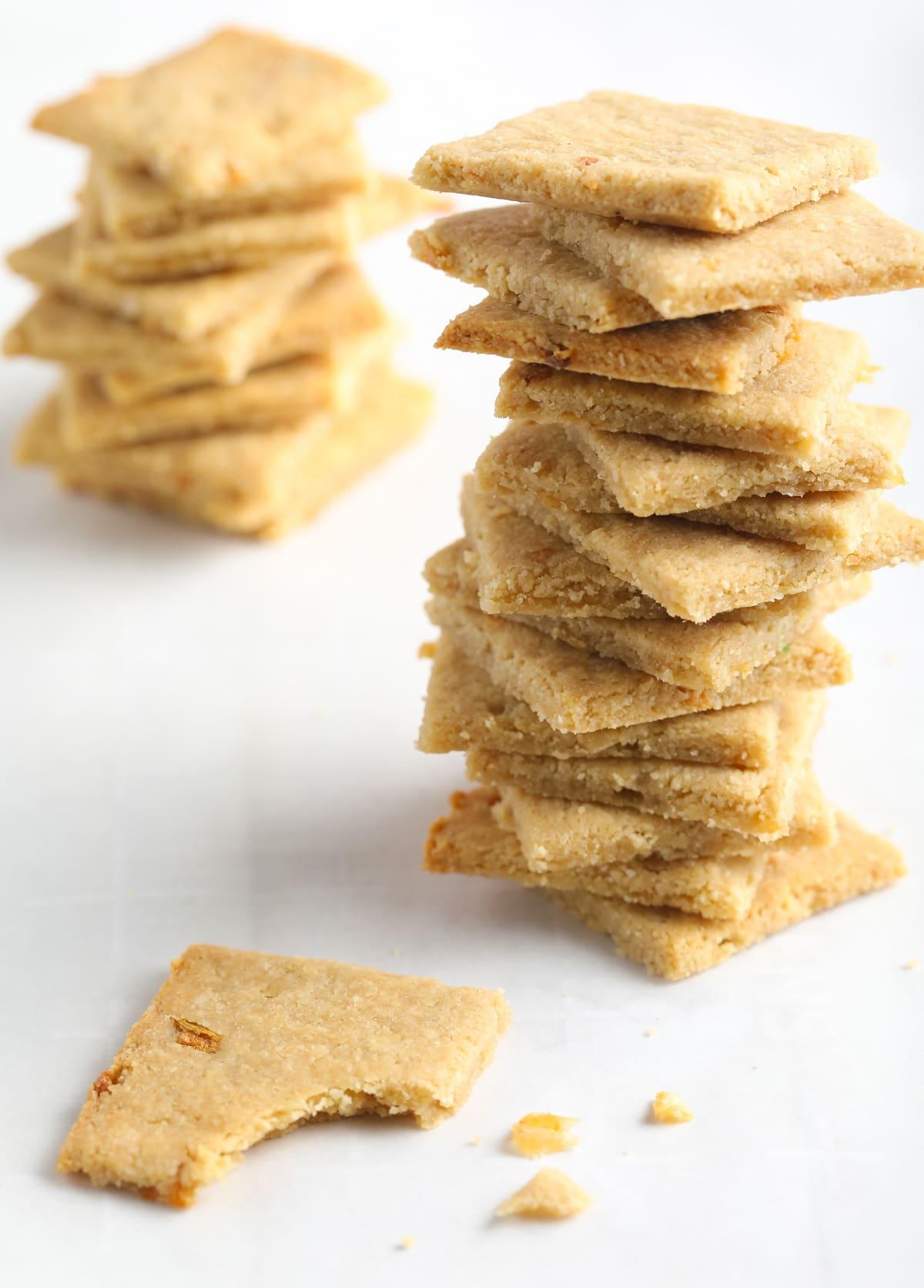 4-Ingredient French Onion Keto Crackers Recipe #ASpicyPerspective #paleo #whole30 #ketogenic