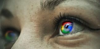 Google logo reflected in the iris of a women | Aspioneer