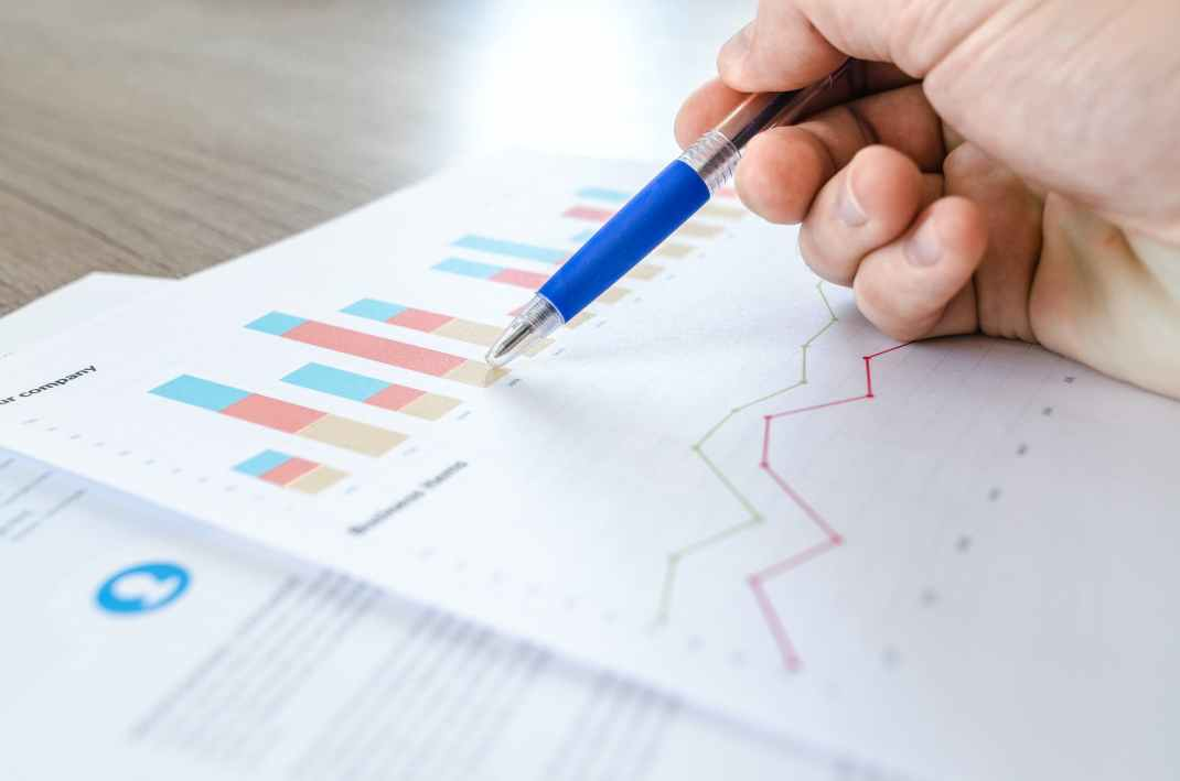 Gurus, numbers and Excel Calculators