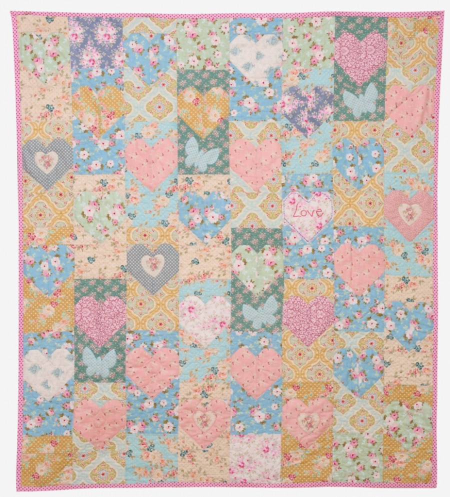 Tilda Sewing Projects - The Lovehearts Quilt by Red Brolly