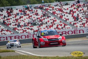 502014.WTCC.Lada.Team.Race.Day.Seryogin.ASppa.Images