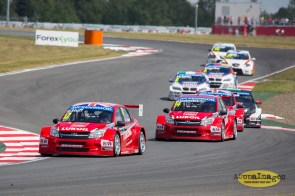 872014.WTCC.Lada.Team.Race.Day.Seryogin.ASppa.Images